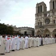 Quatre prêtres ordonnés à Notre Dame de Paris