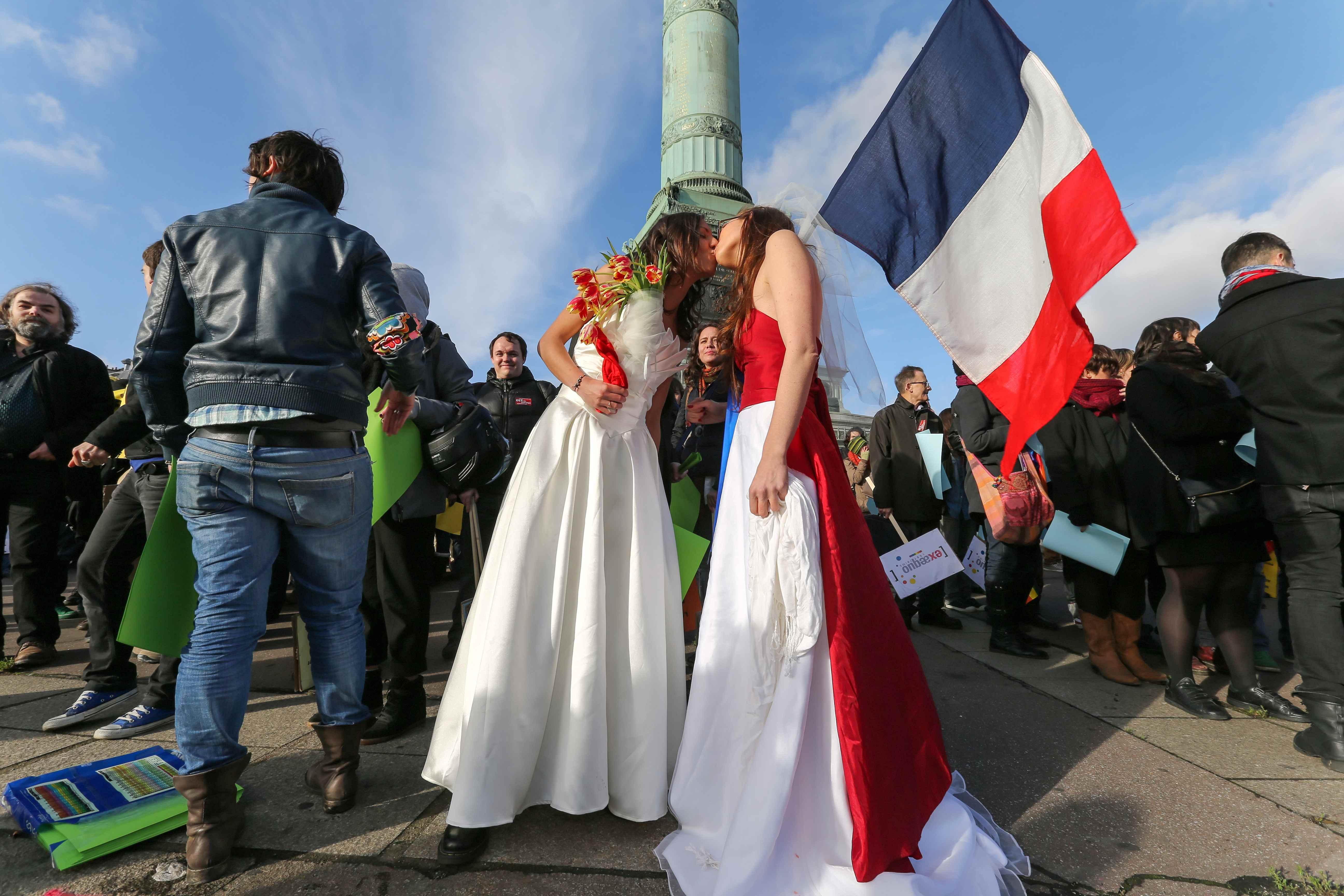 Les partisans du mariage homosexuel manifestent… © Photo Michel Stoupak. Dim 16.12.2012, 14:03.