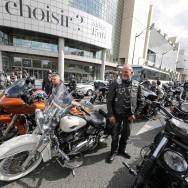 Les Bikers déferlent sur Paris