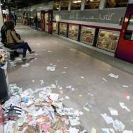 Paris : les détritus s'entassent en gare de Bibliothèque François Mitterrand