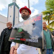 Mantes-la-Jolie : la communauté musulmane rend hommage aux deux policiers tués à leur domicile.