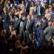 Primaire à droite: au Zénith, Nicolas Sarkozy se veut le chef d'orchestre du peuple.