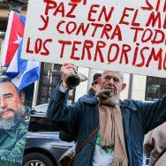 Paris : rassemblement en hommage à Fidel Castro