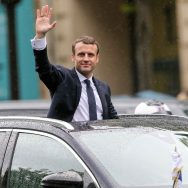 Paris : retour à l'Elysée en DS7 pour Emmanuel Macron