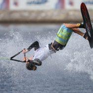 Ski nautique : Adam Pickos devient champion du monde de figures.
