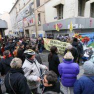 Deux ans après l'assaut de Saint-Denis, des habitants sont à la rue.