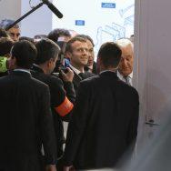 """Macron au Mondial de l'Auto : """"Je n'avais jamais vu un tel mépris"""", dit un pro."""