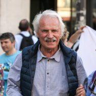 Yann Arthus Bertrand organise une vente aux enchères contre le réchauffement climatique.