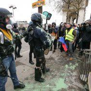 Gilets jaunes : 84.000 manifestants en France, mobilisation en hausse.