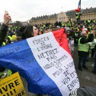 Gilets jaunes : acte X à Paris.