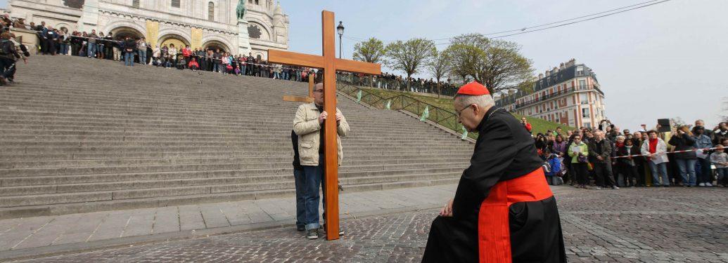 Le Cardinal André Vingt-Trois préside le Chemin de Croix de Montmartre