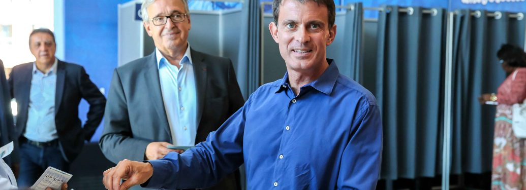 Manuel Valls (First R),  Francis Chouat (Second R)
