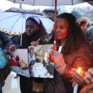 Les Parisiens expriment leur solidarité aux victimes d'Haïti