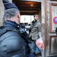Sombre samedi pour Jeudi Noir, expulsé de la place des Vosges