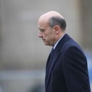 Alain Juppé troque la Défense pour les Affaires Etrangères