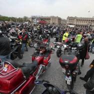 Les motards en colère s'installent place de la Concorde