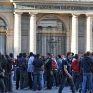 Les supporters du PSG boycottent la finale de la Coupe de France devant le Conseil d'Etat