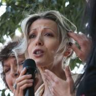 Tristane Banon et des féministes manifestent à Paris contre le viol
