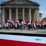Soutien au peuple syrien devant le Panthéon, à Paris