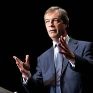 Le député européen britannique Nigel Paul Farage soutient Nicolas Dupont-Aignan