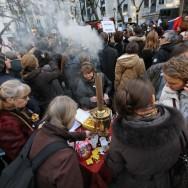 Paris : des Russes dénoncent les fraudes électorales dans leur pays d'origine