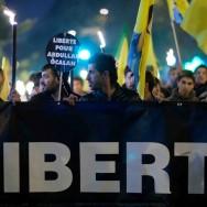 Manifestation aux flambeaux pour les kurdes à Paris