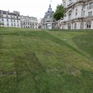Un jardin éphémère sur le parvis de l'Hôtel de Ville de Paris