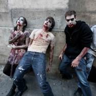 Une zombie walk au coeur de Paris