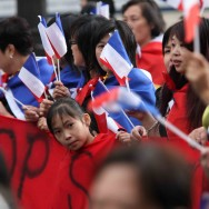 Des milliers de Chinois manifestent à Paris contre l'insécurité