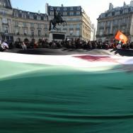 Manifestation à Paris pour demander l'arrêt des massacres en Syrie