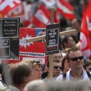 Mobilisation parisienne à la Bastille pour la santé