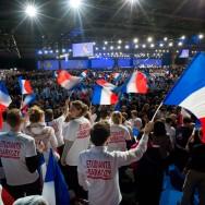 A Villepinte, Sarkozy rassure ses militants et fustige l'Europe