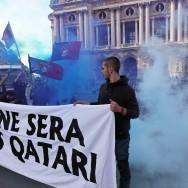 Rassemblement contre le Qatar devant l'Opéra de Paris