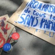 Seize ans après Saint-Bernard, les sans-papiers manifestent à Paris