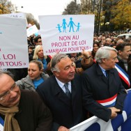 Larcher et Goasguen défilent contre le « mariage pour tous »