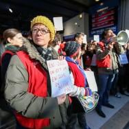 Grève contre la fermeture du Virgin Megastore des Champs Elysées