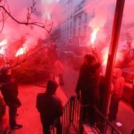 La CNT défile dans Paris contre la précarité et les profits