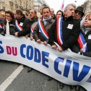 Les élus de l'UMP en tête de la manifestation contre le mariage pour tous