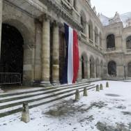 Les chutes de neige paralysent un tiers Nord de la France