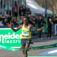 Le Kényan Peter Some remporte le marathon de Paris en 2h05'38''