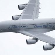 L'Airbus A380 en démonstration au salon du Bourget
