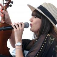 Une bretonne à Chantilly : Nolween Leroy en concert au Prix de Diane