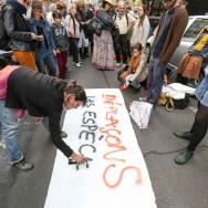 """Des opposants à """"l'Ayraultport"""" de Notre-Dame-des-Landes manifestent à Paris"""