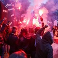 Paris : les antifascistes se joignent au défilé contre le racisme