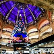 Le sapin de Noël 2013 des Galeries Lafayette, à Paris