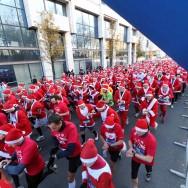 5 500 Pères et Mères Noël dans les rues d'Issy-les-Moulineaux