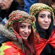 Paris : manifestation un an après l'assassinat de trois militantes kurdes