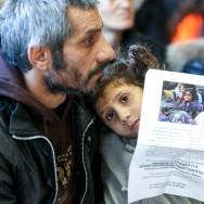 Bobigny : marche blanche pour Melisa, morte dans l'incendie d'un camp de Roms