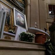 Paris : les polonais prient pour le nouveau Saint Jean-Paul II