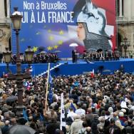 Paris : Le Front national rassemblé place de l'Opéra pour le 1er-mai